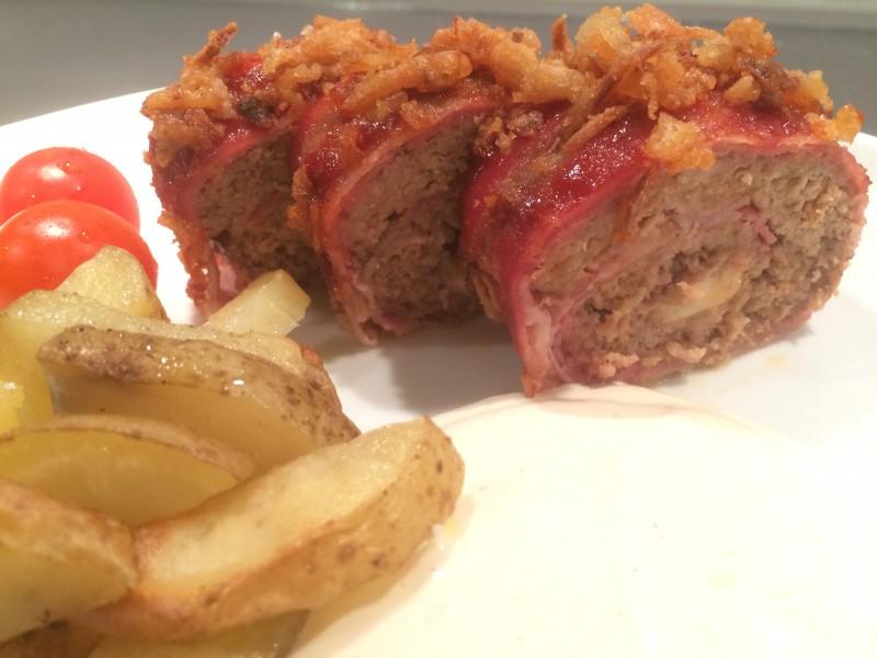 Bacon- och köttfärsrulle